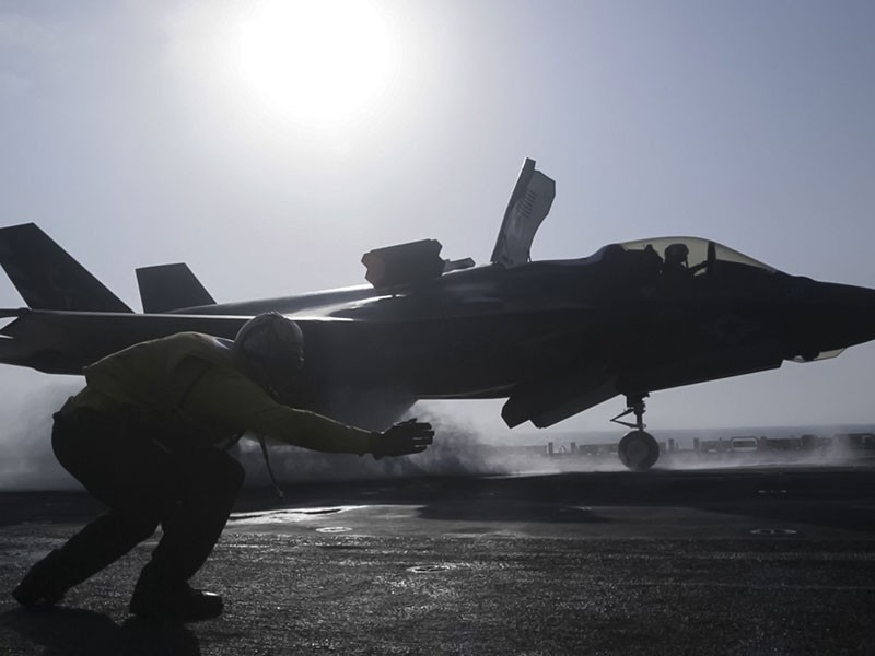 Mỹ báo động chiến tranh phi truyền thống từ Nga, Trung Quốc - ảnh 1