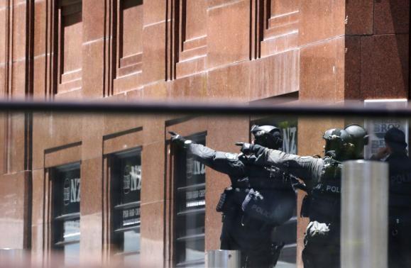 Khủng bố Hồi giáo bắt cóc 40 con tin tại Sydney - ảnh 3