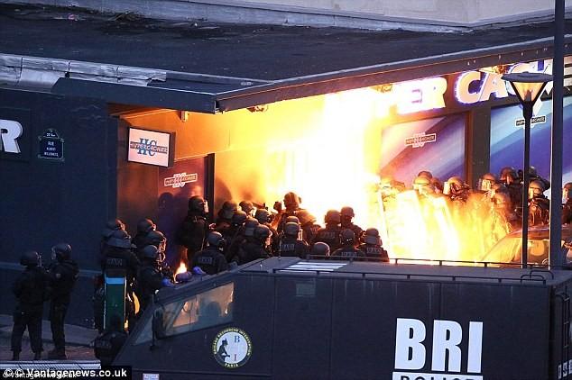 Thêm tung tích thành viên thứ năm của nhóm khủng bố tại Paris - ảnh 1