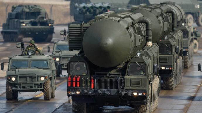Mỹ thù địch, Nga sẽ 'xem lại' thỏa thuận cắt giảm hạt nhân - ảnh 1