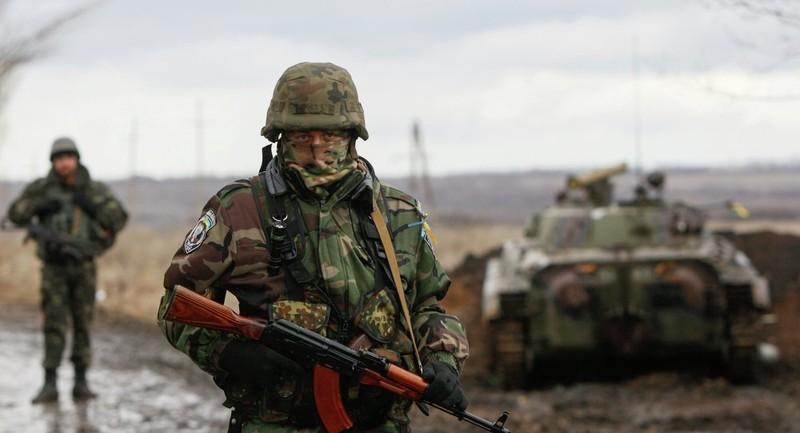 Ukraine 'cấm' dân Nga, Moscow vẫn mở cửa biên giới - ảnh 2