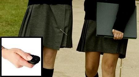 Quay lén dưới váy phụ nữ, du học sinh Việt Nam bị bắt tại Singapore - ảnh 1