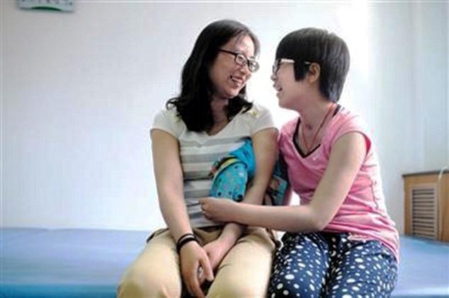 Hôn mê chín tháng, nghe Gangnam Style bất ngờ bừng tỉnh - ảnh 2