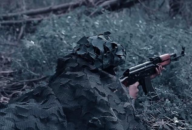 """Nhà nước Hồi giáo rèn """"chiến binh nhí"""" trong lồng sắt  - ảnh 8"""