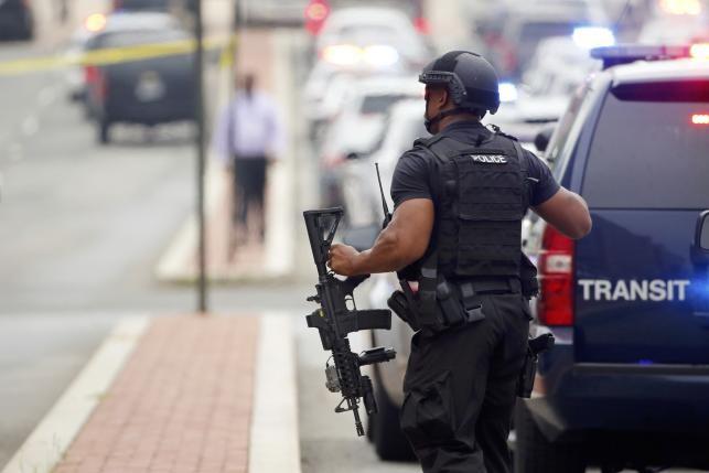'Đấu súng' tại doanh trại giữa Washington: Cảnh sát thông báo chính thức - ảnh 2