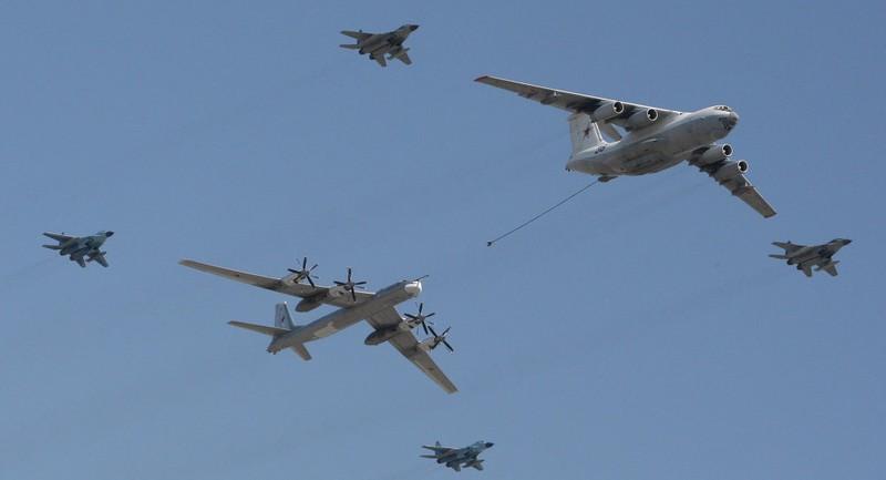 Iran muốn mua 100 máy bay tiếp dầu của Nga - ảnh 1