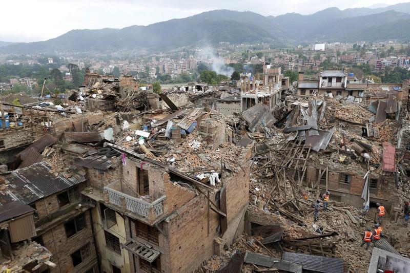 Thêm đường nứt gãy đe dọa động đất dịch chuyển Everest - ảnh 1