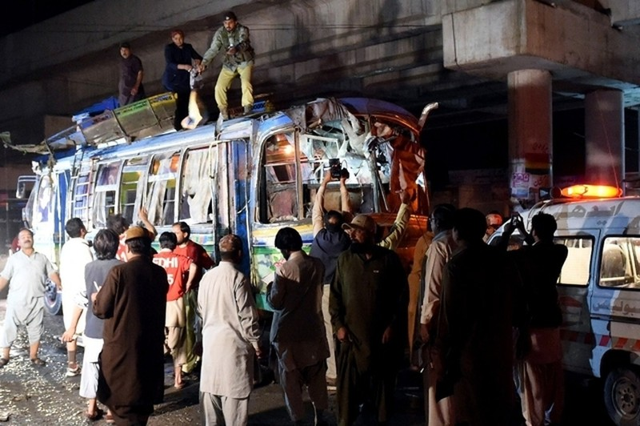 Đánh bom xe bus, ít nhất 11 người chết - ảnh 1