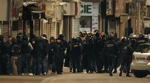 Nã 5.000 viên đạn: Vụ đấu súng diệt khủng bố Paris diễn ra thế nào? - ảnh 1