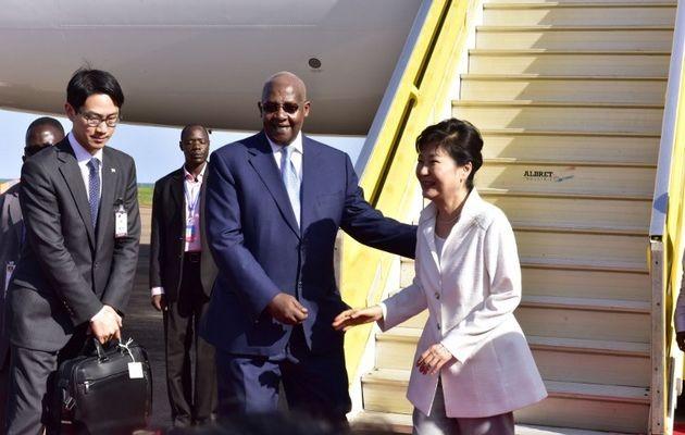 Uganda yêu cầu Triều Tiên rút nhân viên quân sự về nước - ảnh 1