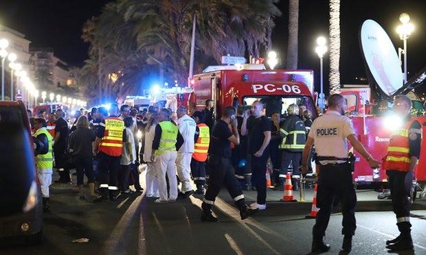Khủng bố Quốc khánh Pháp: 84 người thiệt mạng, thương vong liên tục tăng - ảnh 9