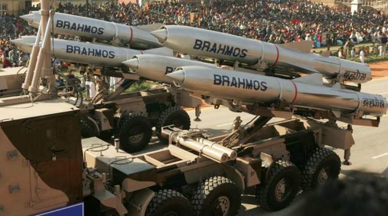 Tên lửa siêu thanh BrahMos của Ấn Độ. Ảnh: Indian Express