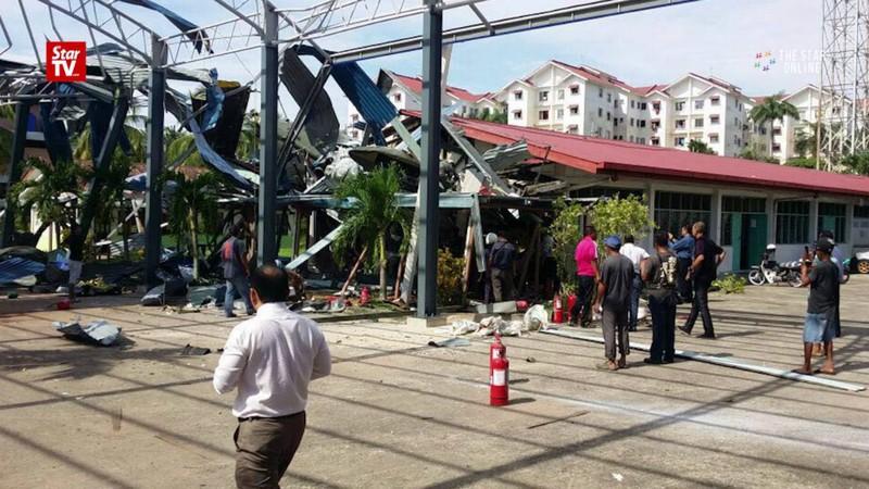 Hiện trường vụ rơi trực thăng quân sự Malaysia. Ảnh: Star TV