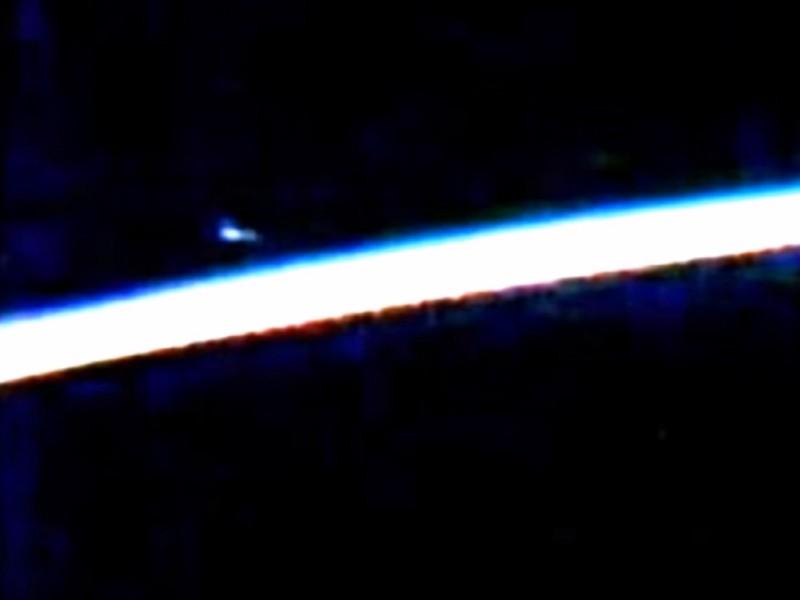 NASA che giấu giả thuyết UFO áp sát trạm không gian? - ảnh 1