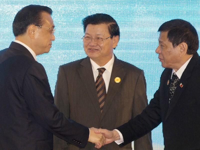 Ông Duterte chuẩn bị phái đoàn hùng hậu sang Trung Quốc