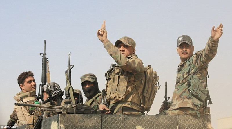 Mosul bị bao vây, tướng lĩnh IS đưa vợ con bỏ trốn