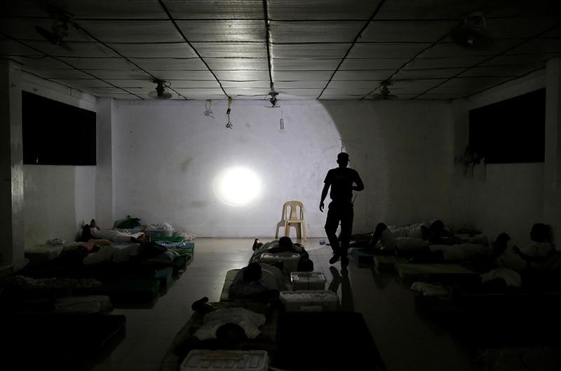 Hé lộ cuộc sống trong các trại cai nghiện Philippines - ảnh 9