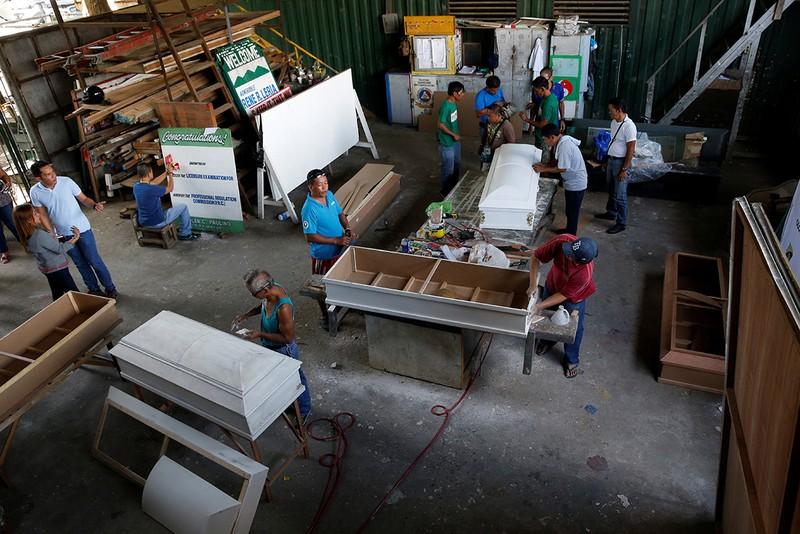 Hé lộ cuộc sống trong các trại cai nghiện Philippines - ảnh 5
