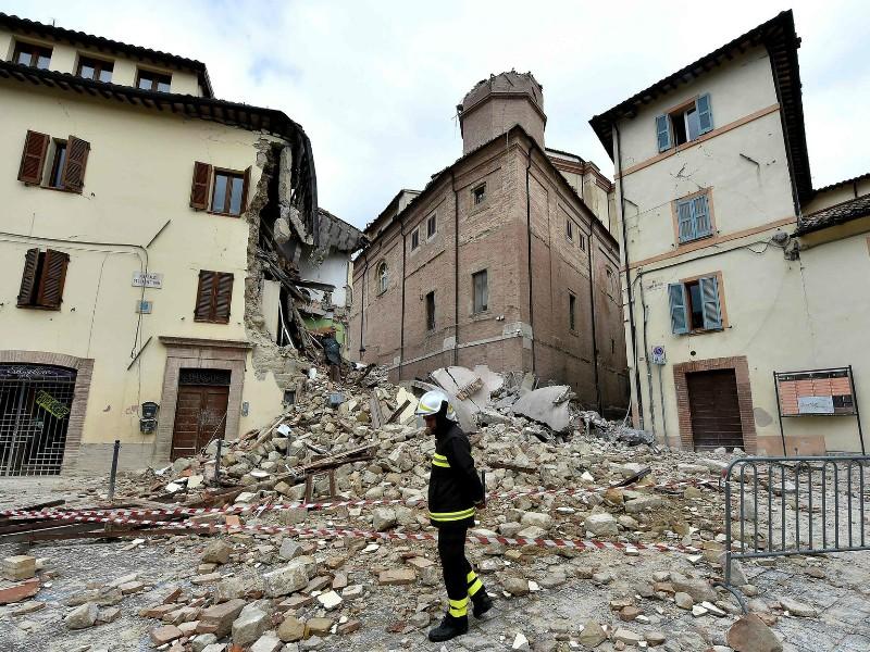 Động đất rung chuyển miền trung nước Ý