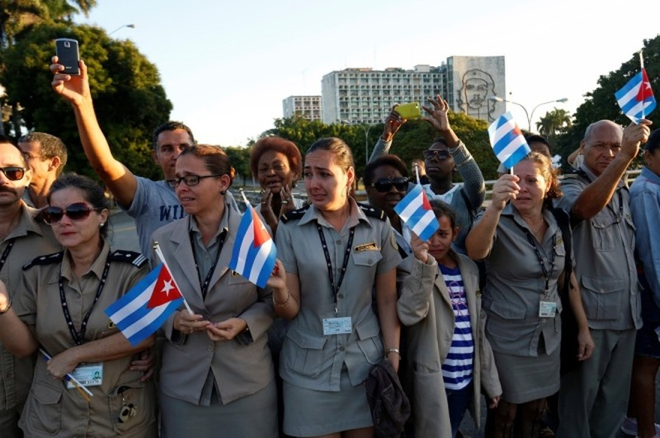 Đưa lãnh tụ Fidel Castro về nơi an nghỉ cuối cùng - ảnh 10
