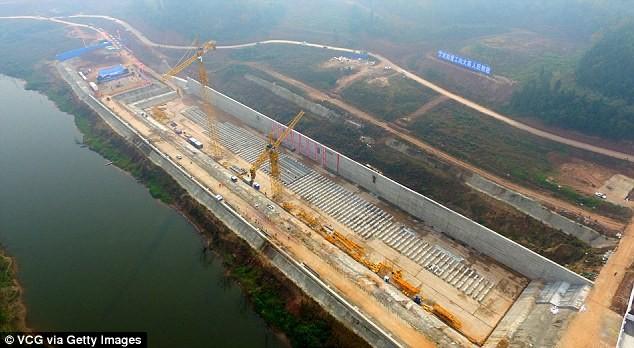 Trung Quốc bắt đầu đóng bản sao tàu Titanic huyền thoại - ảnh 1
