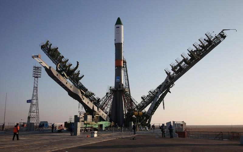 Tàu vũ trụ Nga vỡ tung giữa trời - ảnh 1