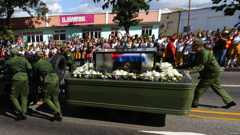 Di cốt lãnh tụ Fidel đã về đến 'cái nôi' cách mạng - ảnh 2