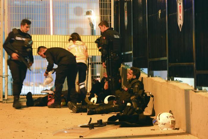 Đánh bom kép giữa Istanbul, 29 người thiệt mạng - ảnh 3