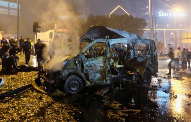 Đánh bom kép giữa Istanbul, 29 người thiệt mạng - ảnh 1