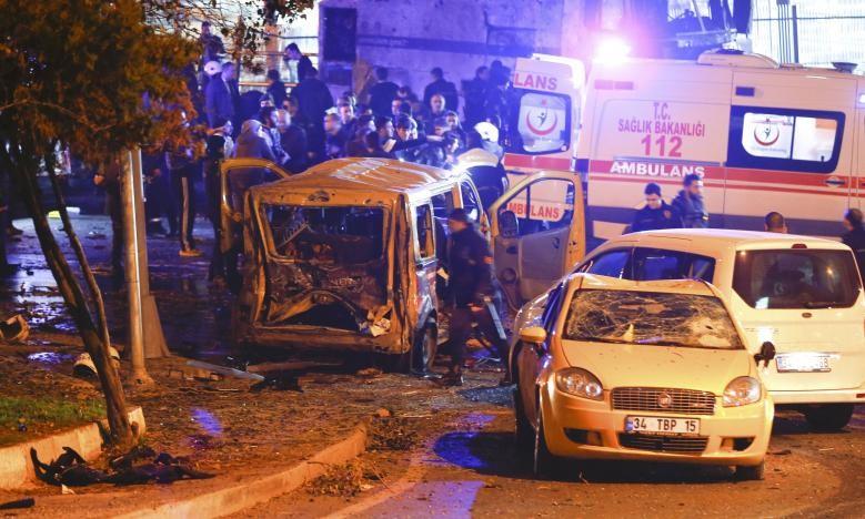 Đánh bom kép giữa Istanbul, 29 người thiệt mạng - ảnh 5