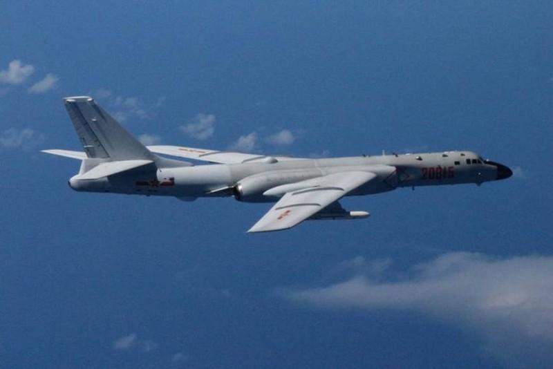 Nhật điều chiến đấu cơ đối phó 6 máy bay Trung Quốc - ảnh 1