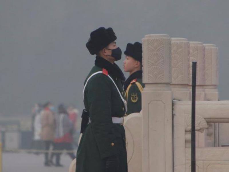 Trung Quốc báo động ô nhiễm: Cấm xe, đóng cửa nhà máy - ảnh 1
