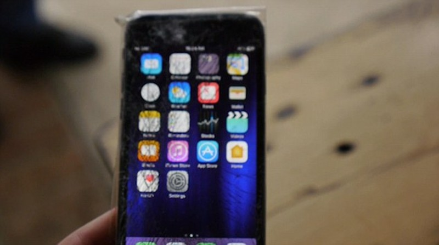 Cá sấu cắn điện thoại iPhone 7, điều gì sẽ xảy ra? - ảnh 3