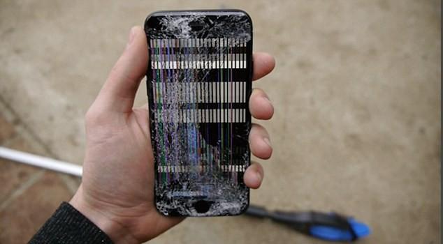 Cá sấu cắn điện thoại iPhone 7, điều gì sẽ xảy ra? - ảnh 5