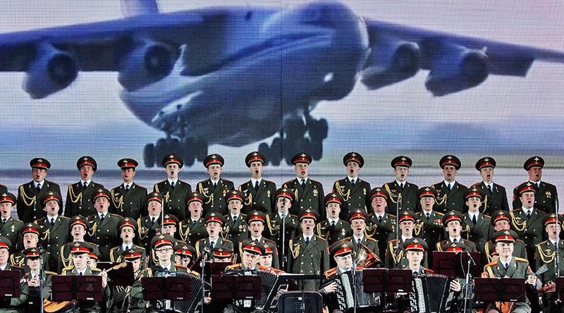 Hơn 3.000 người tìm kiếm máy bay Nga gặp nạn - ảnh 2