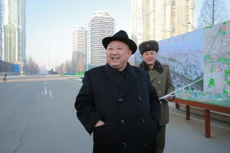 Triều Tiên phóng tên lửa, Trump hứa ủng hộ Nhật 100% - ảnh 2