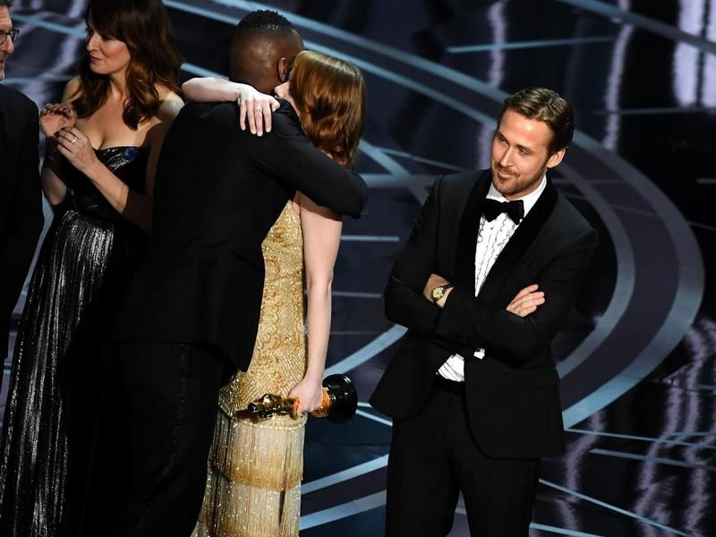 Nhầm lẫn tại Oscar 2017: Công ty kiểm phiếu xin lỗi - ảnh 1