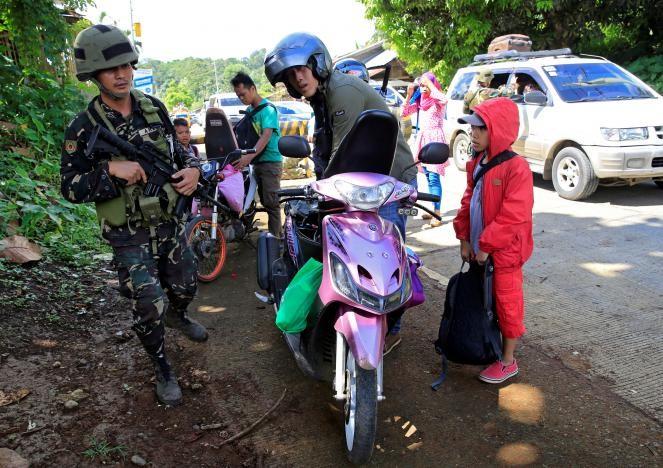 Ba mũi tiến công tái chiếm TP Philippines từ khủng bố - ảnh 9