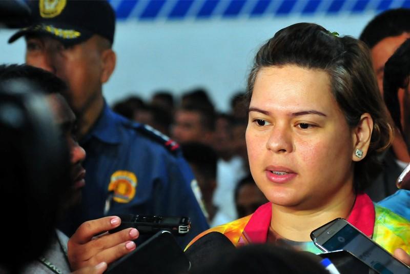 Quê nhà Tổng thống Duterte gỡ bỏ lệnh phong tỏa - ảnh 1