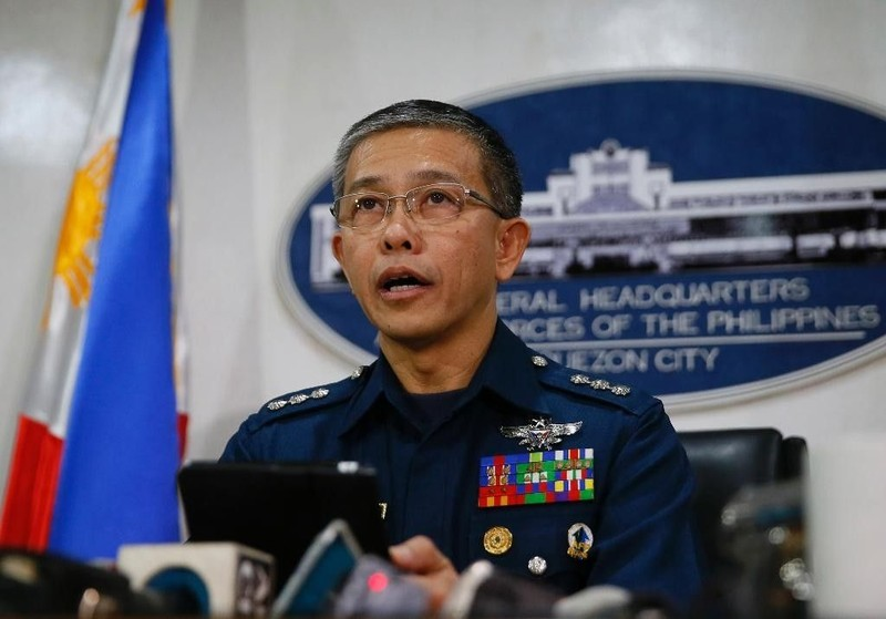 Philippines cảnh cáo khủng bố: Đầu hàng hay là chết! - ảnh 2