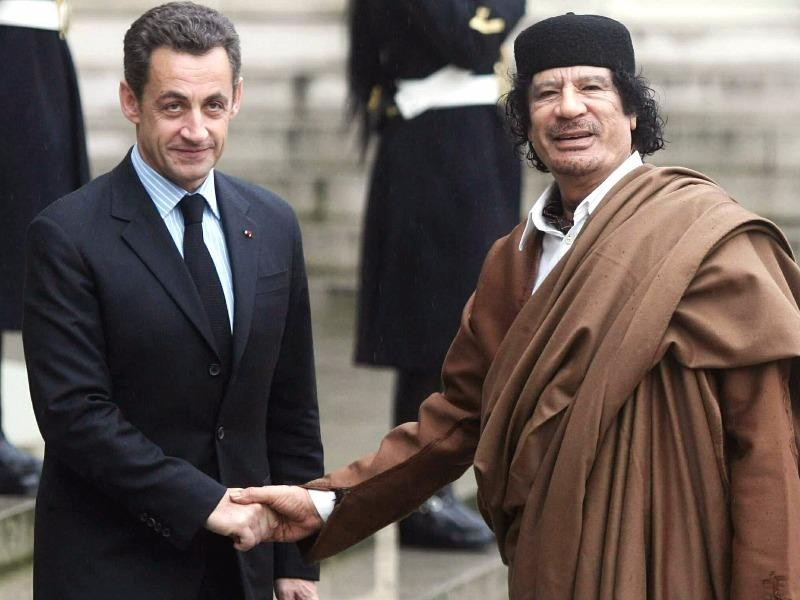 Cựu tổng thống Pháp bị cảnh sát tạm giữ - ảnh 1