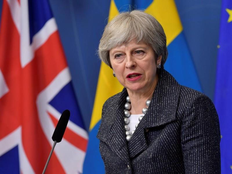 Nội bộ Anh tranh cãi tính hợp pháp vụ không kích Syria - ảnh 1