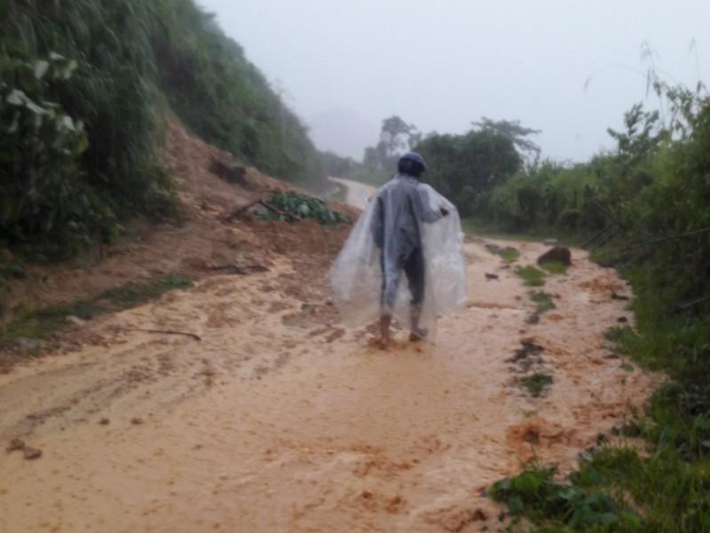 Nam Trà My bị cô lập do bão số 5 - ảnh 3