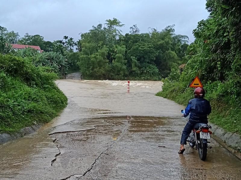 Nam Trà My bị cô lập do bão số 5 - ảnh 2