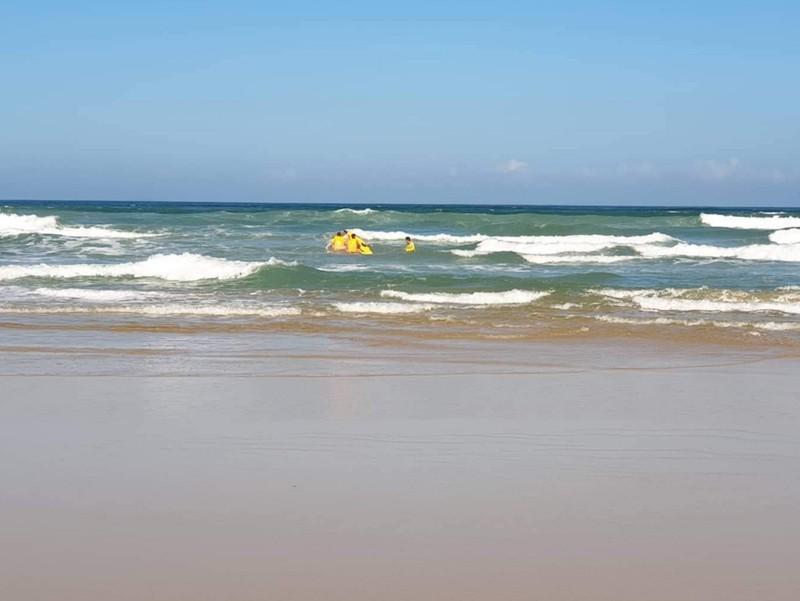 1 du khách quốc tịch Anh mất tích khi tắm biển - ảnh 1