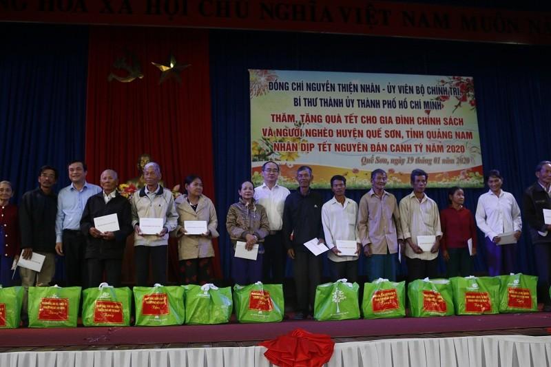 Bí thư Nguyễn Thiện Nhân tặng quà tết ở Quảng Nam - ảnh 1