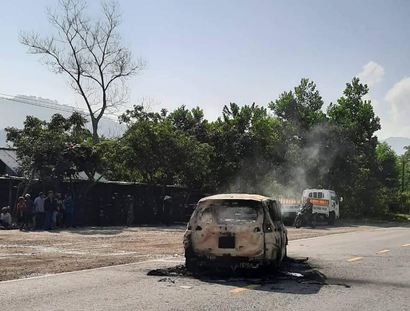Kinh hãi: Ô tô cháy nổ dữ dội, hai người chết thảm - ảnh 1
