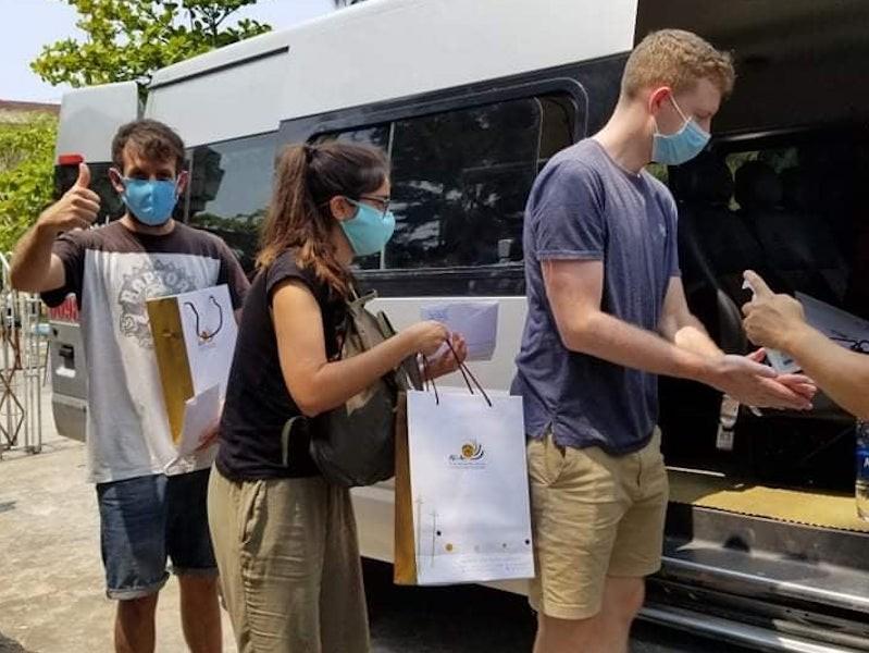 9 du khách hoàn thành cách ly ở Quảng Nam về nước - ảnh 1