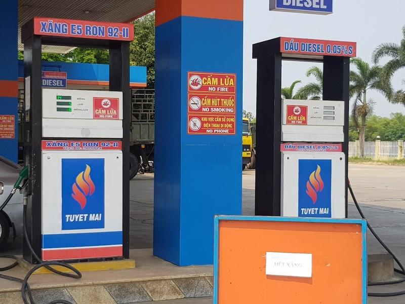 Nhiều cây xăng ở Quảng Nam đột ngột báo hết xăng - ảnh 1