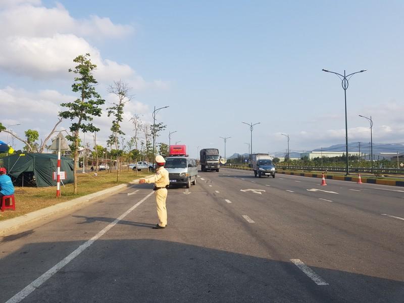 Quảng Nam cách ly hàng trăm người về từ TP.HCM, Hà Nội - ảnh 2